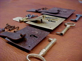 locks for camel back trunks for sale