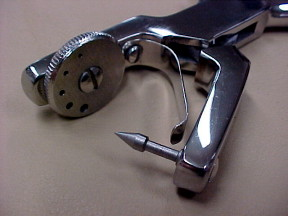 Pliers Tool to punch holes in leather