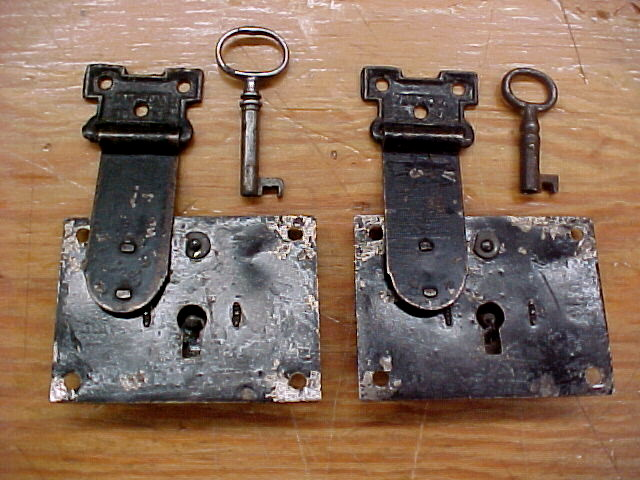 old dome top trunk locks for sale