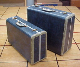 Brettuns Village Trunk Shop: Vintage and Antique Suitcases For Sale