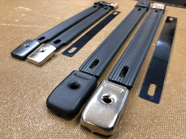 Black strap handles for cases
