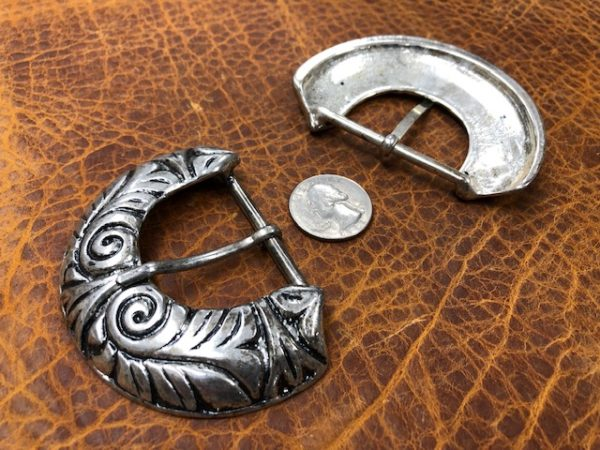 modern belt buckles