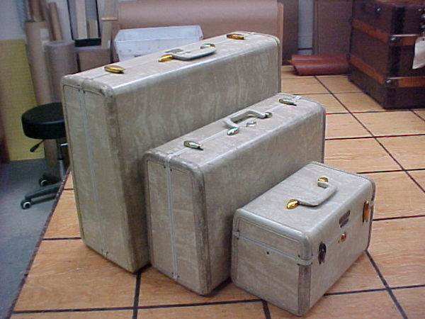 Vintage Samsonite suitcase set