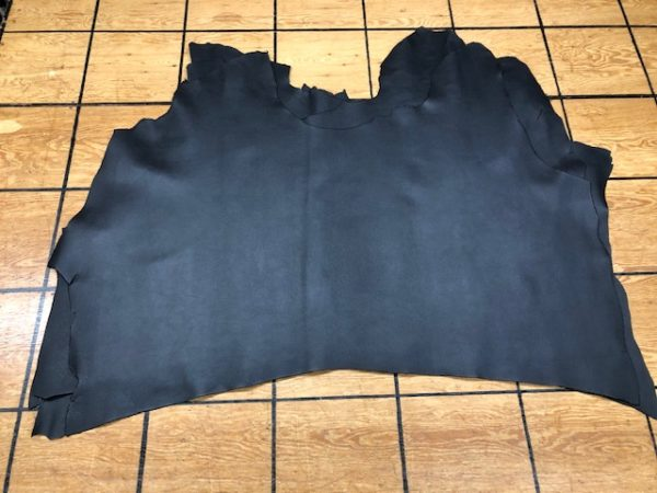 Black Bison Embossed USA Cattlehide Chromium Tanned Double Shoulders