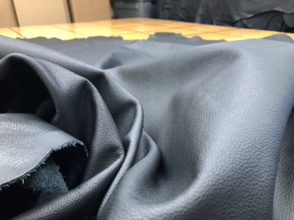 Black Calf Whole Hides Have a Nice Grain Pattern on the Surface, Soft, for Garments or Upholstery