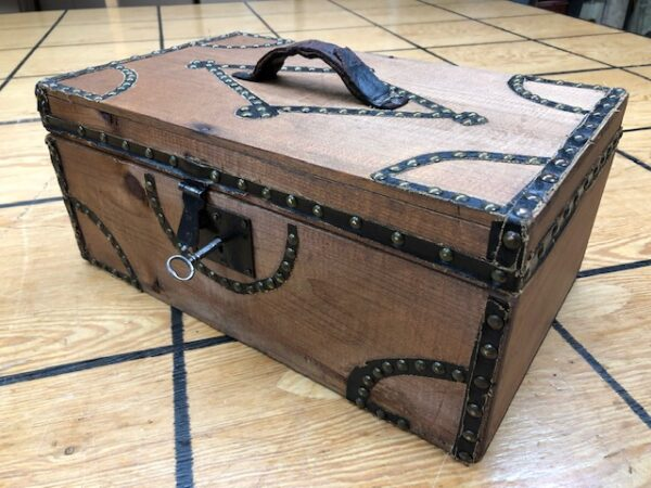 T933: Small Box Trunk with Brass Tacks
