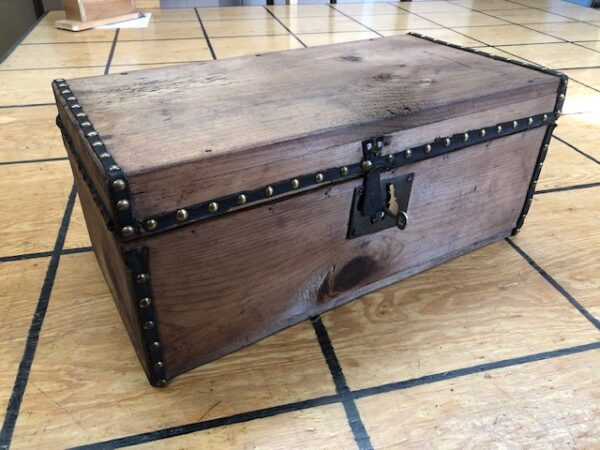 T935: Small Box Trunk with Brass Tacks